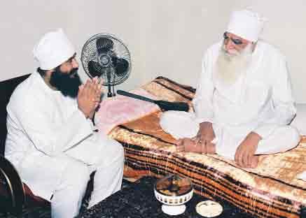 Saint Gurmeet Ram Rahim Singh Ji Insan with Revered Shah Satnam Ji Maharaj 03 - Sachi Shiksha